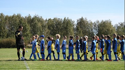 Grupa A 2010/11 uległa Rakovii Warszawa 8-3